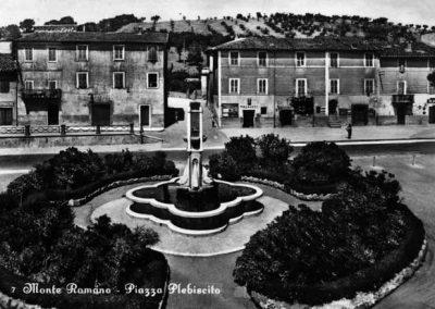 Monte Romano Piazza Plebiscito - 1957